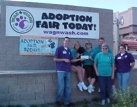 Volunteers at Wag N Wash